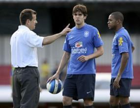 Енрике сменя контузения Жуан в състава на Бразилия