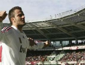 Джилардино остава в Милан