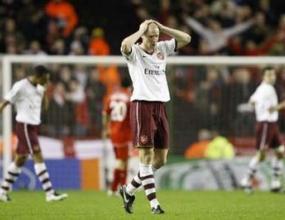 Филип Сендерос обяви, че остава в Арсенал