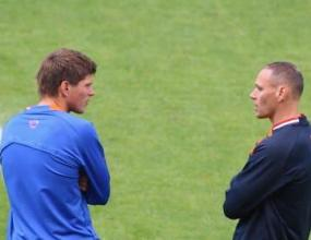 Ван Бастен назначи Хунтелаар за капитан