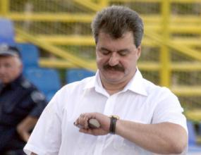 Батков не иска чужденец за треньор на Левски
