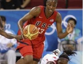 САЩ продължава победния си ход в баскетбола при жените