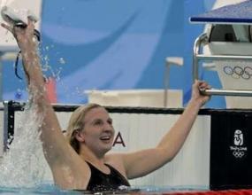 Ребека Адлингтън подобри най-стария рекорд в плуването