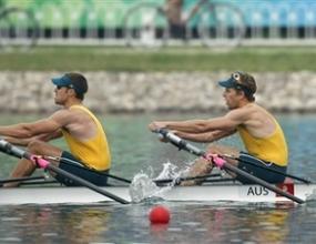 Дейвид Кроушей и Скот Бренън (Австралия) изненадващо спечелиха олимпийската титла на двойка скул