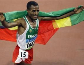 Бекеле защити олимпийската си титла на 10 000 метра