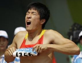 Шок за Китай! Олимпийският шампион Лю Сян се контузи