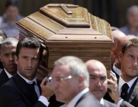 Погребаха Сенси, Тоти Панучи и Баптища носиха ковчега