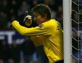 Седем мача делят Ван дер Саар от световен рекорд