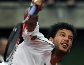 Хосе Акасусо продължава напред на турнира в Буенос Айрес