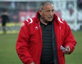 Пенев: Още никой не ме е уволнявал от ЦСКА - никога не си тръгвам