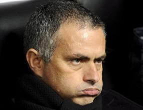 Фенове на Юнайтед: Видяхме как Моуриньо цапардоса с бекхенд през лицето един фен, след което си тръгна спокойно