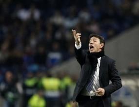 Атлетико застана зад треньора