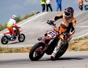 Отборна титла и три първи места за българските мотоциклетисти на Източноевропейския шампионат