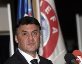 Боби Михайлов отива на конгрес на УЕФА
