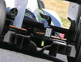 Ф1 започва със скандал - драмата с дифузьорите набира скорост