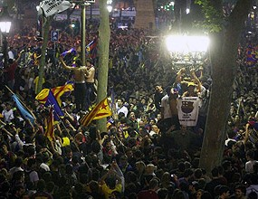 7000 празнуваха до зори в Барселона, седмина задържани