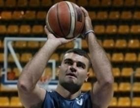 Франция разреши на Васил Евтимов да играе за България