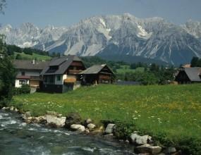 """""""Трите лъва"""" ще дишат чист алпийски въздух преди Мондиал-2010"""