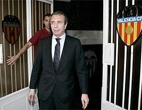 Бившият президент на Валенсия Висенте Сориано се завръща