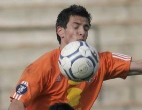 В НСА пишат шестици на Венков и Манолев за футболни умения