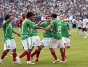 Мексико размаза САЩ с 5:0 на финала на шампионата на Северна Америка