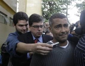 Осъдиха Ромарио на три години и половина