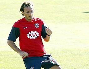 Форлан ще подпише нов договор с Атлетико