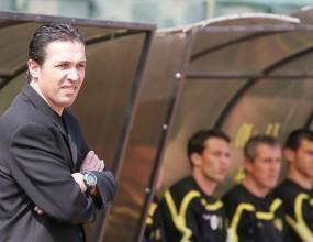 Не приеха оставката на треньора на Миньор