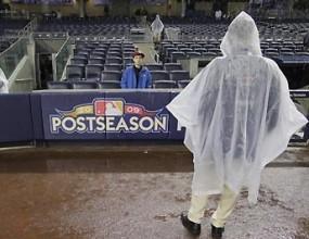 Дъжд удължи допълнително финала в Американската лига