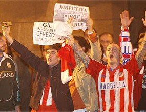Футболисти на Атлетико се обясняват на феновете