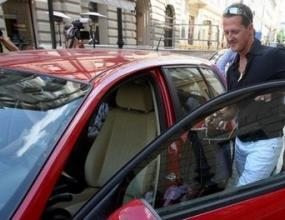 Шумахер все още не е подписал договор с Ферари?