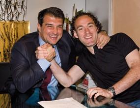 Габи Милито в Барса до 2012 година