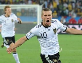 Германия си е Германия, първият светъл лъч в ЮАР навява шампионски спомени
