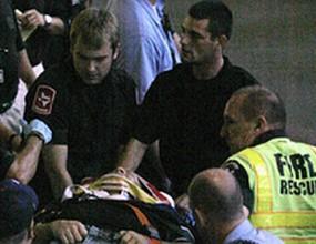 Фен падна от 10 метра на стадиона на Тексас