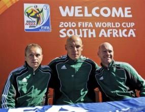 """ФИФА определи като """"голям успех"""" съдийството на Мондиал 2010"""