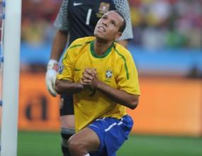 ФИФА призна за три неправилно зачетени гола на Мондиал 2010