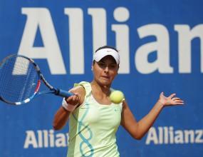 """Виктория Томова загуби в първия кръг на """"Алианц Къп"""""""