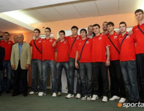 Младежите делят 20 бона от Нейков