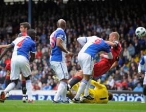 Фулъм остана непобеден въпреки скандален гол