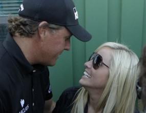 Съпругата на Микелсън ще присъства на Ryder Cup