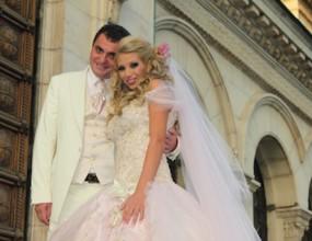 Боби Михайлов мята гюбеци на сватбата на волейболния шеф Георги Георгиев