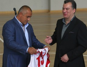 Михов иска да организира турнир с Испания, Турция и Русия в София