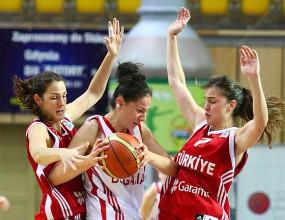 Христина Иванова и Ирландесас с четвърта поредна загуба в Испания
