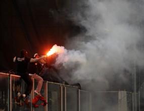 Затварят границата за сръбските хулигани