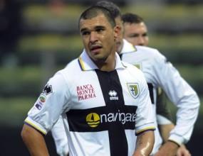 В Италия спорят дали Божинов е успял да докосне топката в мача с Милан