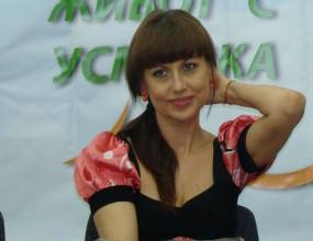 Илиана Раева: На 14 февруари и едно цвете стига