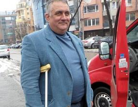 Бащата на Курдов се контузи от гледане на мач