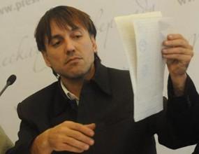Златан Ванев води щангист в Азербайджан