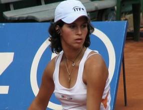 Изабелла Шиникова се класира за финала