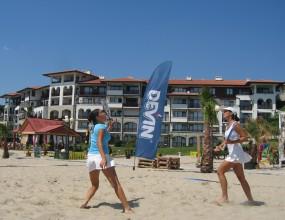 И Марсел Радев се включва в плажния тенис във Варна